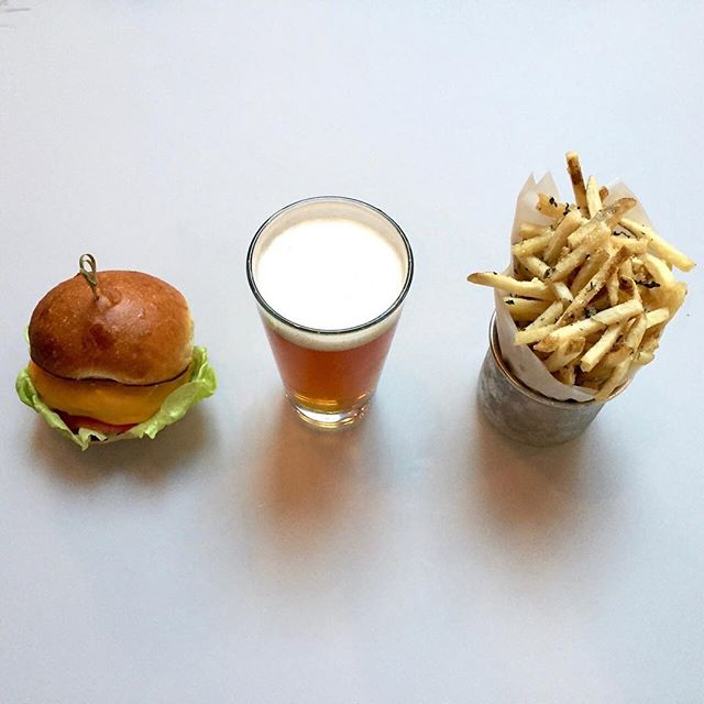 Dining Freehold Brooklyn Restaurant Mini Burger Beer Frieds