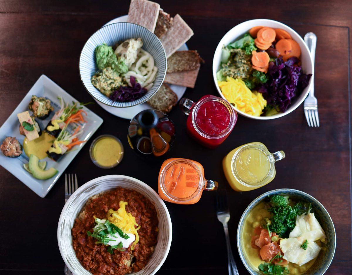Dining Le Botaniste Restaurant Full Table