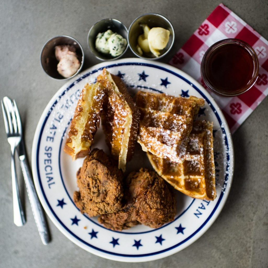 Dining Sweet Chick Restaurant Waffles
