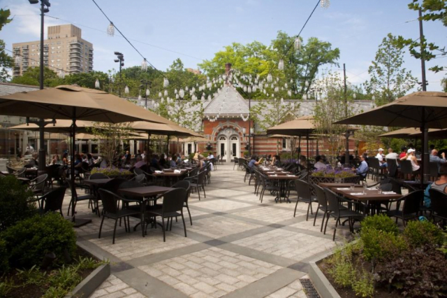 Dining Tavern on the Green Outdoor Area