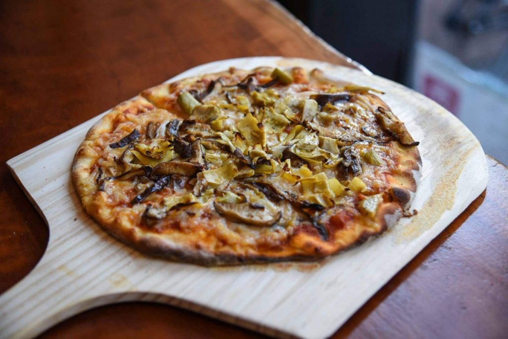 Dining 3 Vegan Restaurants Blossom Marble Bottomed Pizza