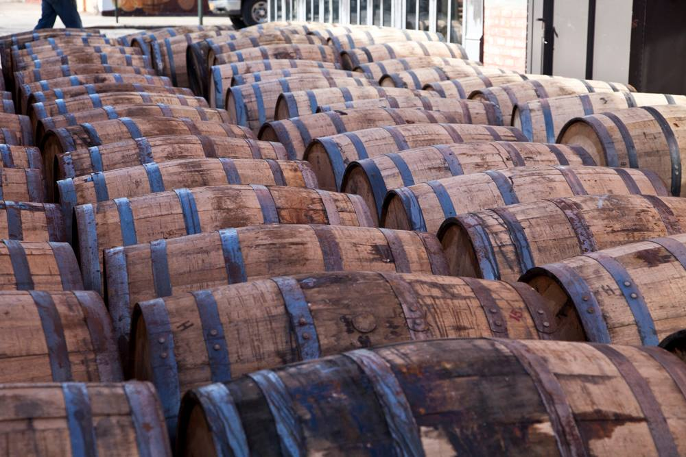 Nightlife Bars Widow Jane Distillery Mine Whiskey Barrels Outside
