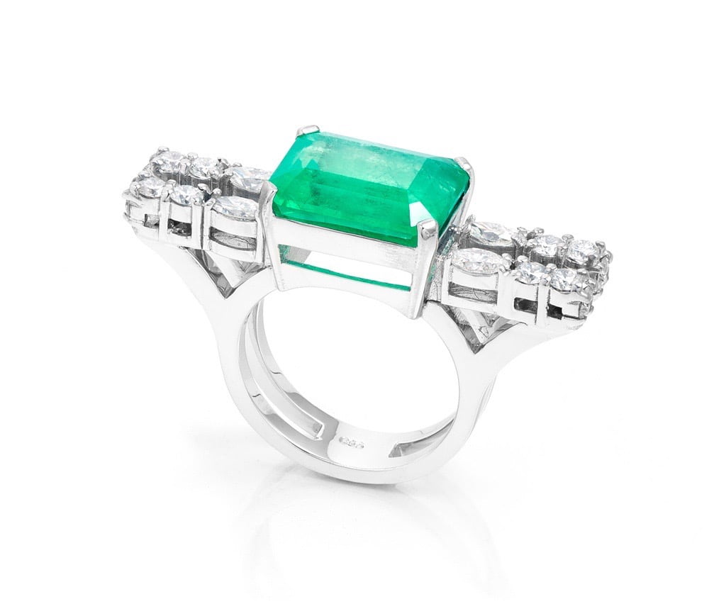 Our Experts Recaps Julls 2016 Jewelry Andrea Conti Emerald Ring