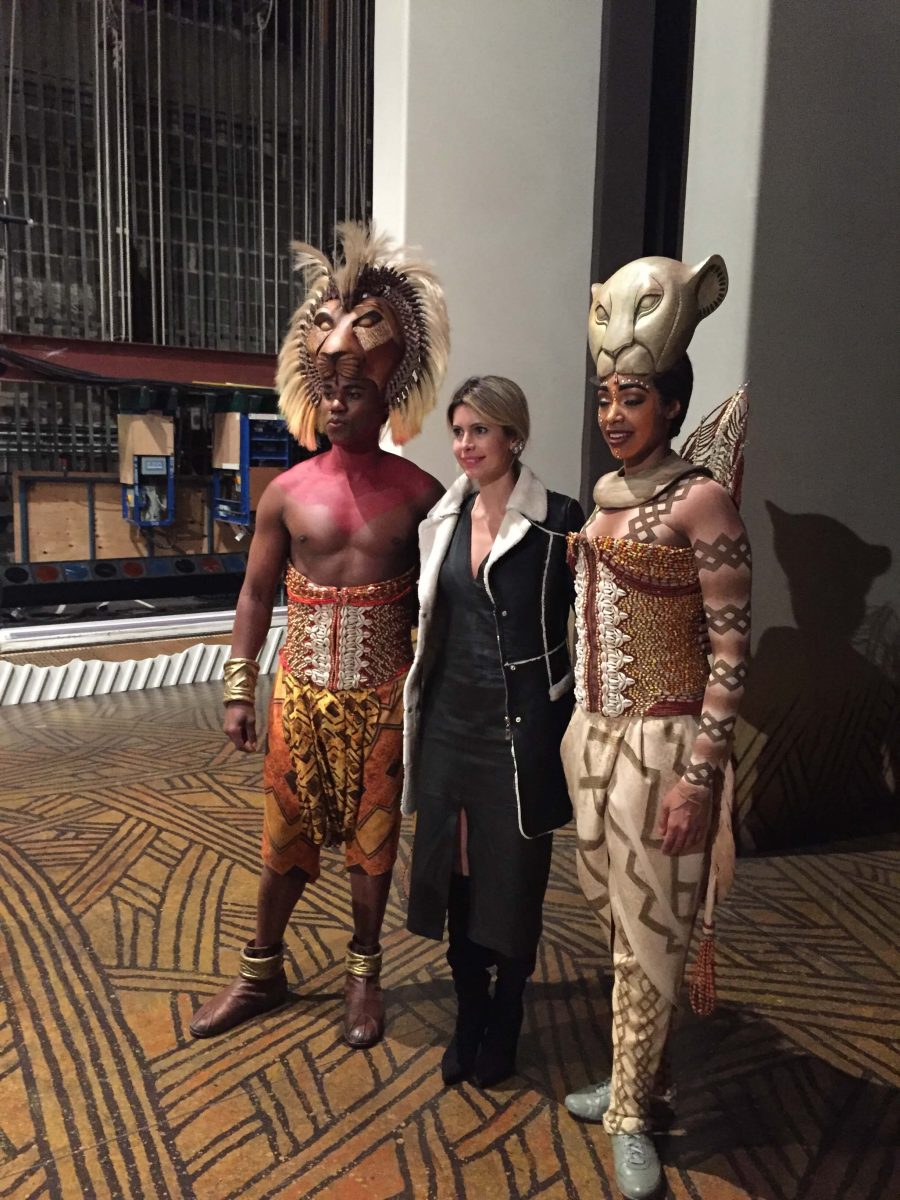 Our Experts Recaps Lion King Backstage Meet and Greet FHits Brazilian Bloggers Carolina Tognon