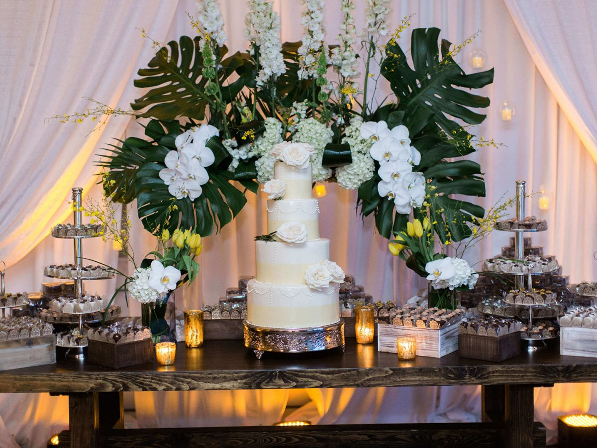 Shop NYC Wedding Kamila Almeida Gurneys Montauk Cake