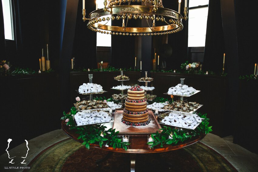 Shop Weddings Paula Merlo Rooftop of The NoMad Hotel Cake
