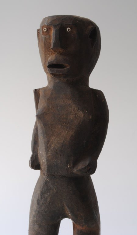 Curiosities Insider Interviews Gisela Gueiros Tabwa Gallery Man Sculpture