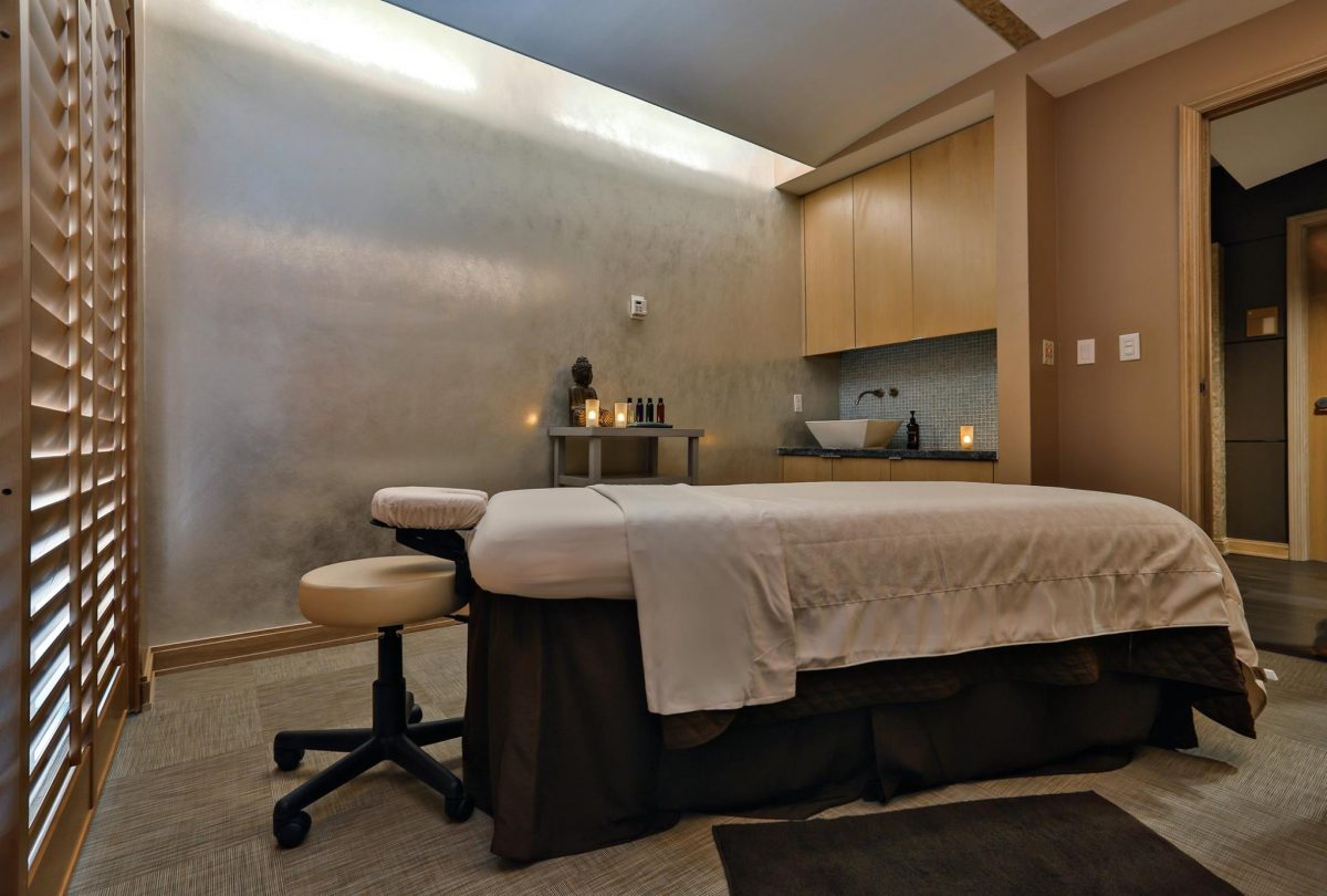 Curiosities Insider Interviews Amra and Elma Exhale Spa Massage