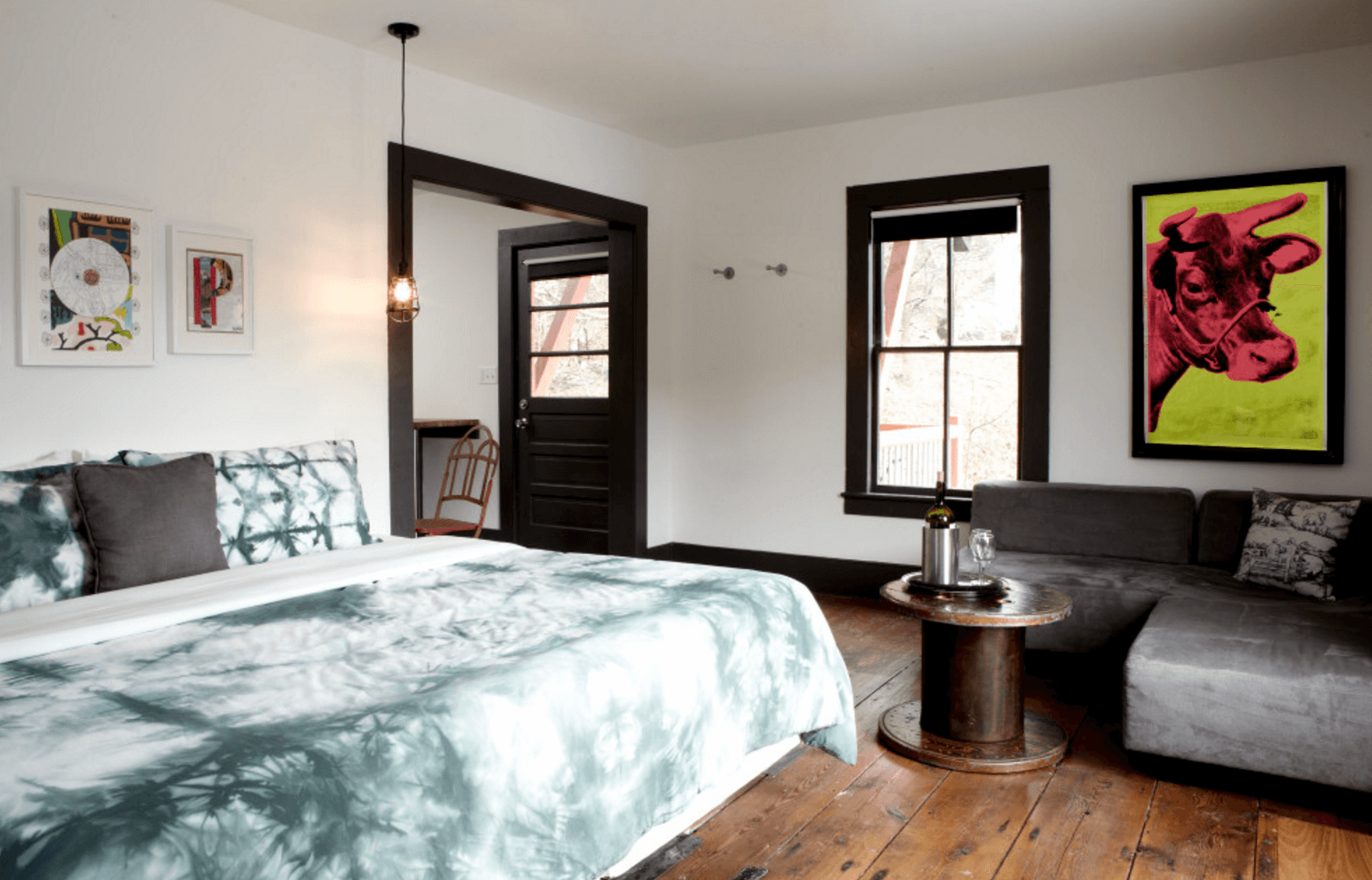 Curiosities Insider Interviews Juliette Hermant Stickett Inn Barryville Guest Room