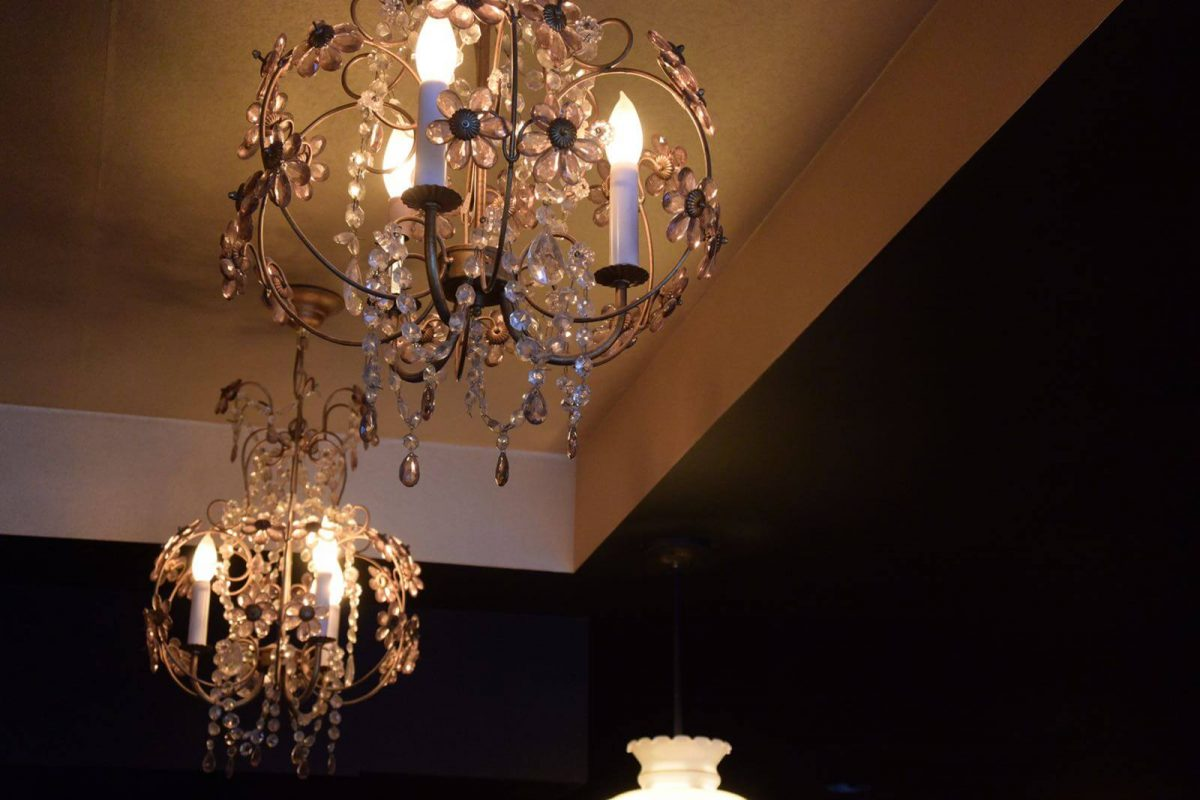 Dining Lua Bar Brooklyn Chandeliers
