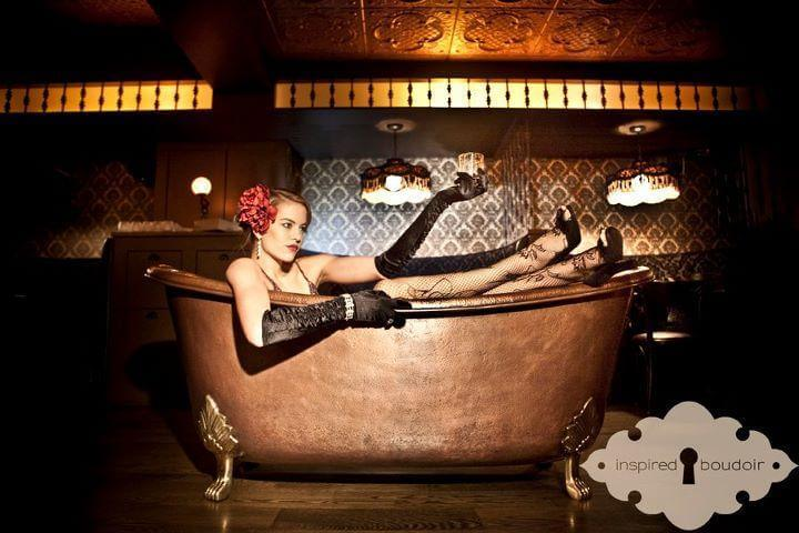 26 Best Parties in New York for New Year's Eve 2018 Bath Tub Gin