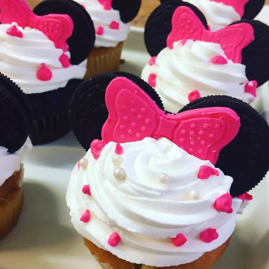 Curiosities Insider Interviews Cheryl Wat Vaccaro's Bakery Minnie Mouse Cupcakes