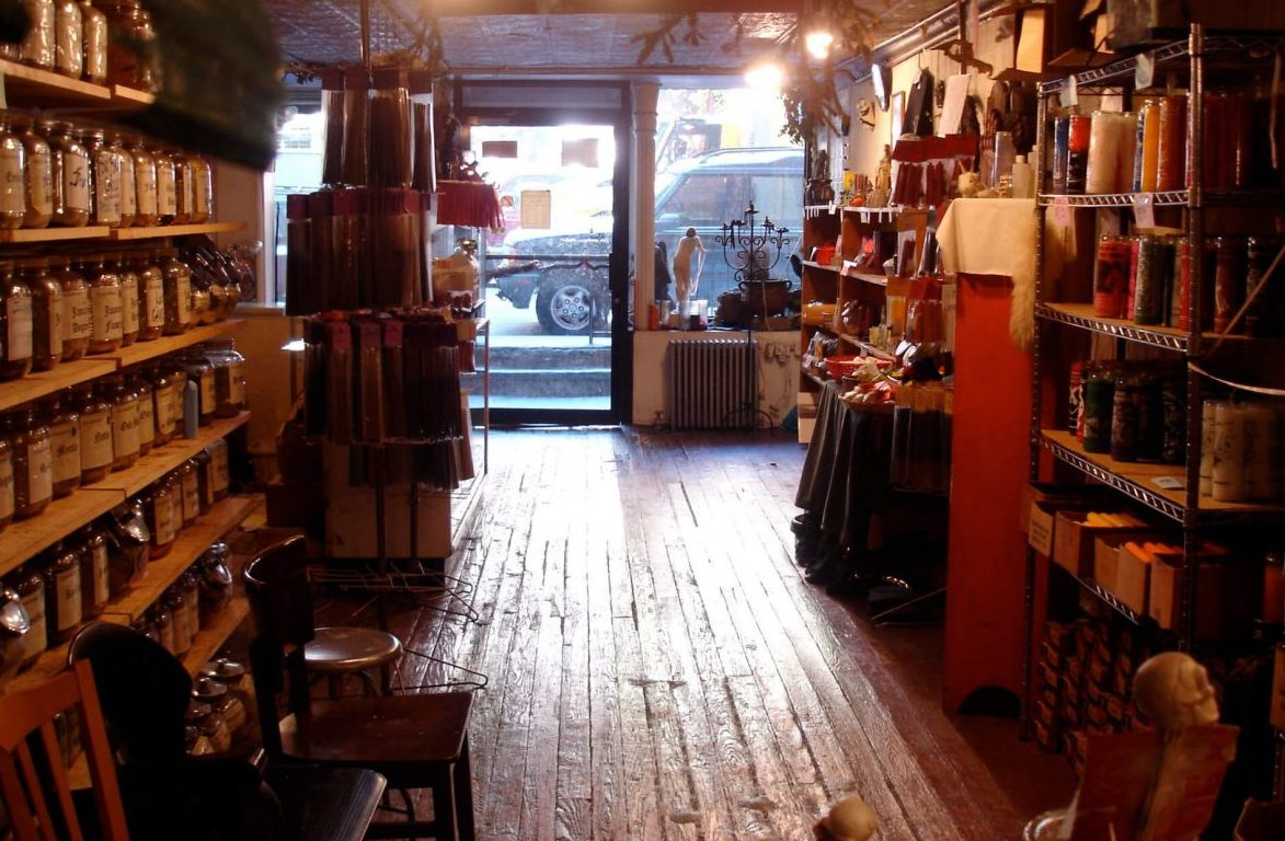 Curiosities Insider Interviews Wanderlust Girls Enchantment Store