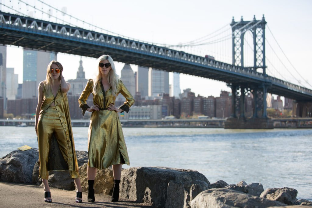 Curiosities Insider Interviews Wanderlust Girls Manhattan Bridge