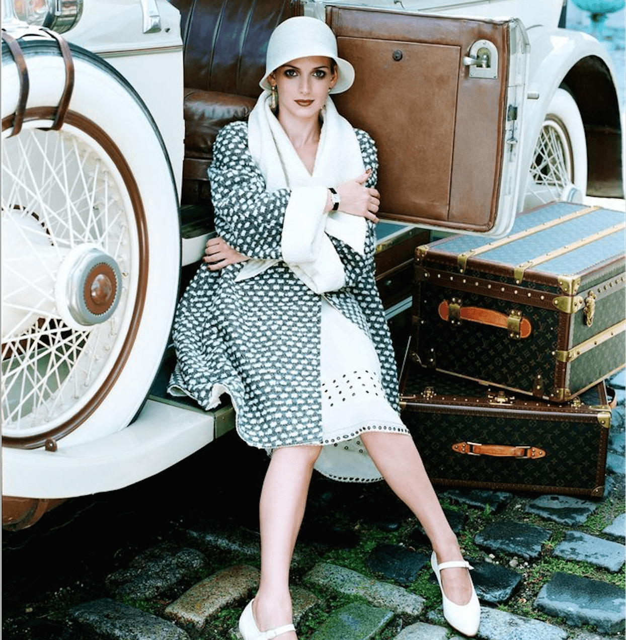 Curiosities Our Bucket List 10 Life Saving Hacks To Travel Around NYC Steven Meisel Vogue 1999