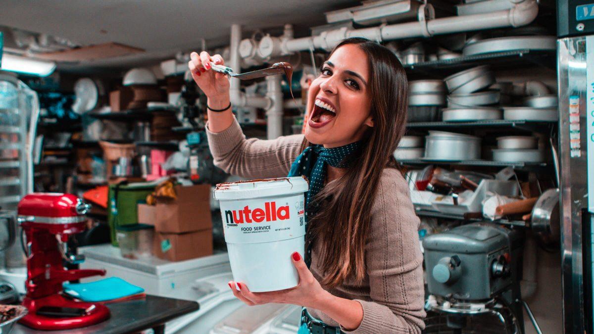 Shop Specialties Sweet Corner Bakeshop 2 Pound Chocolate Nutella Heart Fernanda Paronetto