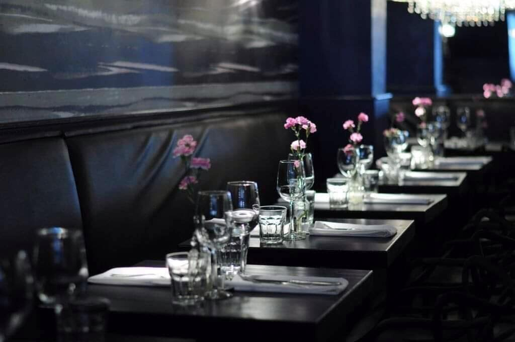 Dining Pescatore Restaurant Manhattan Tables