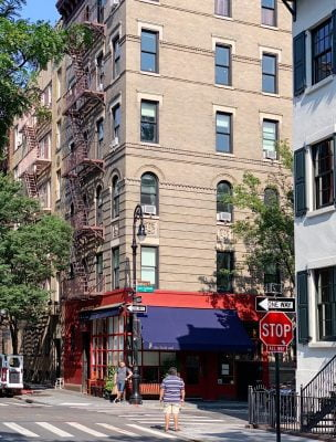 BTSNYC Experiences On Going NYC TV Movie Tour Friends Apartment Thumbnail